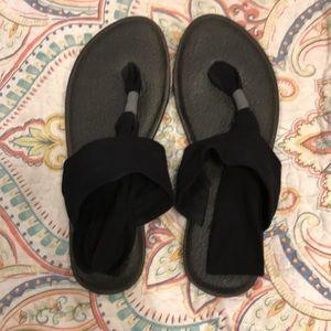 Yoga Mat Sanuk Flip Flops